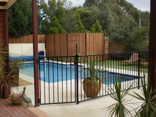 Crossfire Pool Fencing Territory Steel